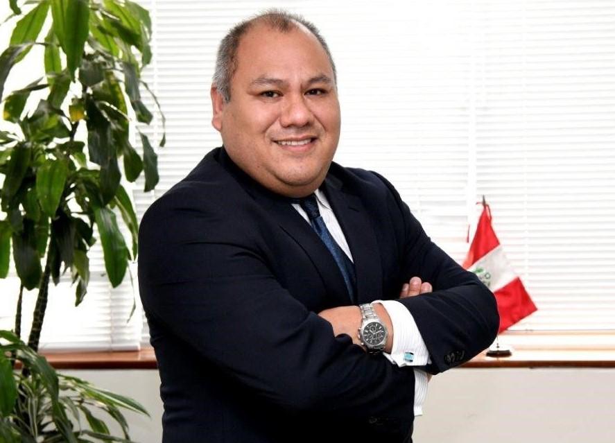 """""""Seguimos siendo una de las mejores economías de América""""- José Olivares Canchari, economista"""